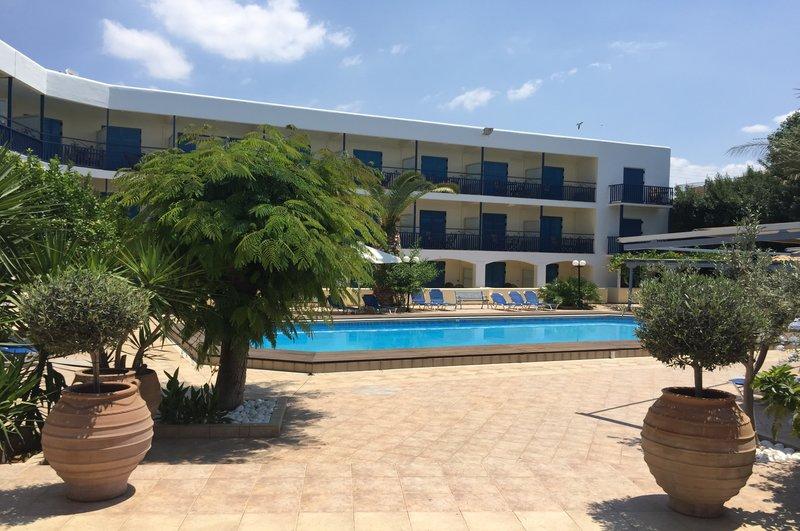 οικονομική διαμονή αίγινα - Danae Hotel Aegina